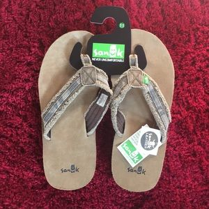 0e7c2ec88b8 Sanuk Shoes - NWT Sanuk Fraid So Size 11 leather Camo flip flops